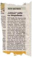 zeitungsbericht-makro-fotograf-regungslos-rettungswagen-af771965-andreas-fischer-www-lightfischer-de